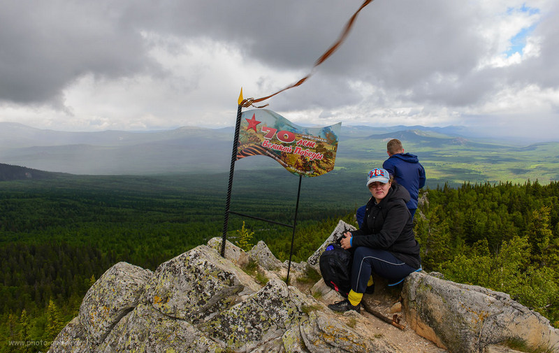 8. На вершине горы Ялангас (400, 26, 9.0, 1/100)