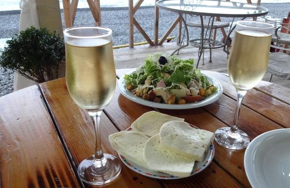 ресторан на берегу моря, Квариати, Аджария