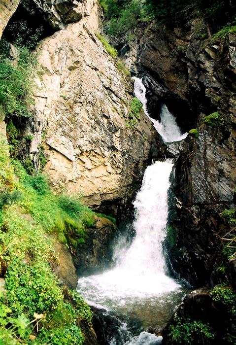 Кайракский водопад