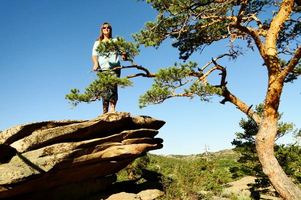 Светлана Рыжкина на скале