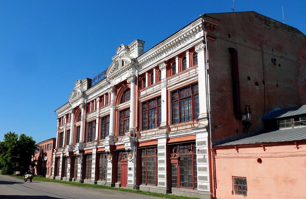 Здание пассажа братьев Якушевых