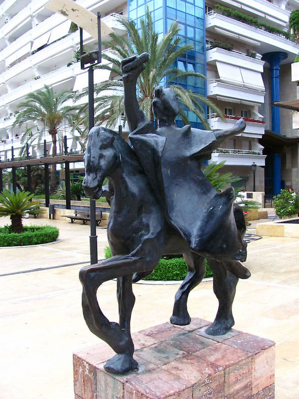 Troyano Caballo.<br />Троянский конь<br />Парк Аламеда, Марбелья, Испания