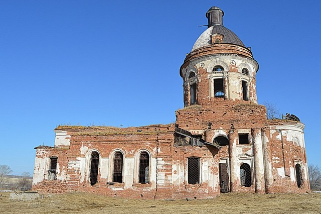 Храм во имя Святого Макария Желтоводского в деревне Макарьевское