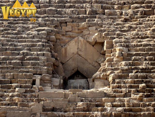 Пирамида Хеопса - Вход