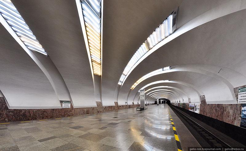 Екатеринбург метро Станция Уралмаш