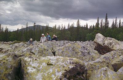 На подступах к Ямантау (гора — на заднем плане)