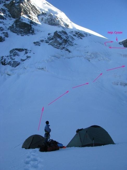Маршрут подъёма на верхнюю ступень ледопада.