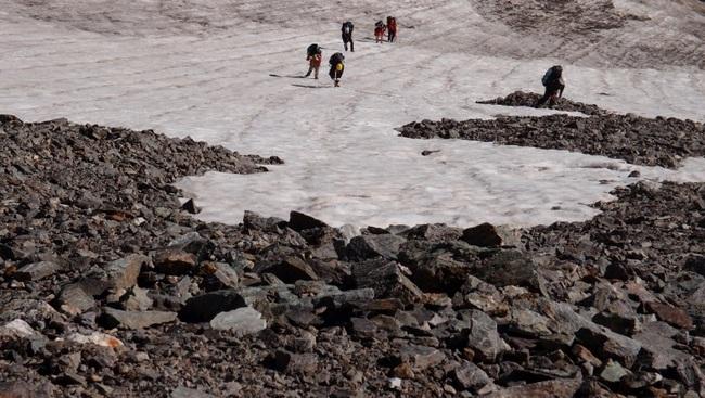 Подъём на перевал Ирик - Субаши по снежнику