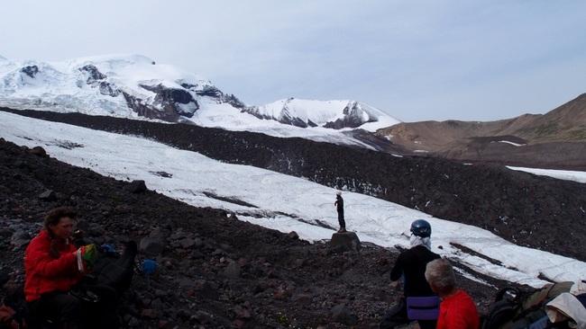 Выход с морены на ледник