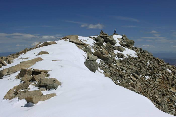 Малчин пик, или пик Терра, или Лед и Пламень. 4050 м
