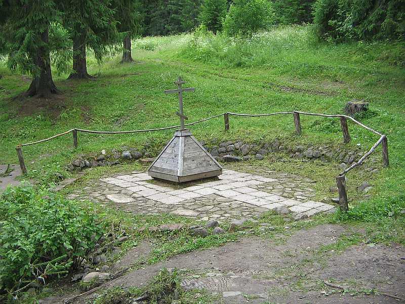 Колодец, по преданию, выкопанный Павлом Обнорским