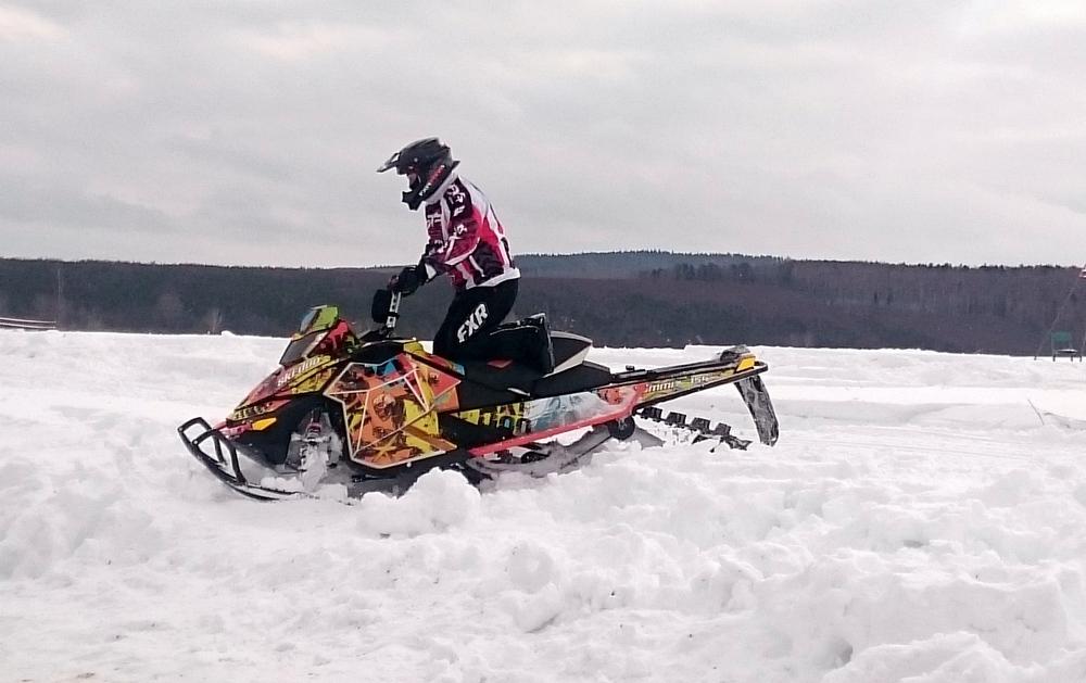 Олег Первушин гонка на снегоходах Усть-Баяк